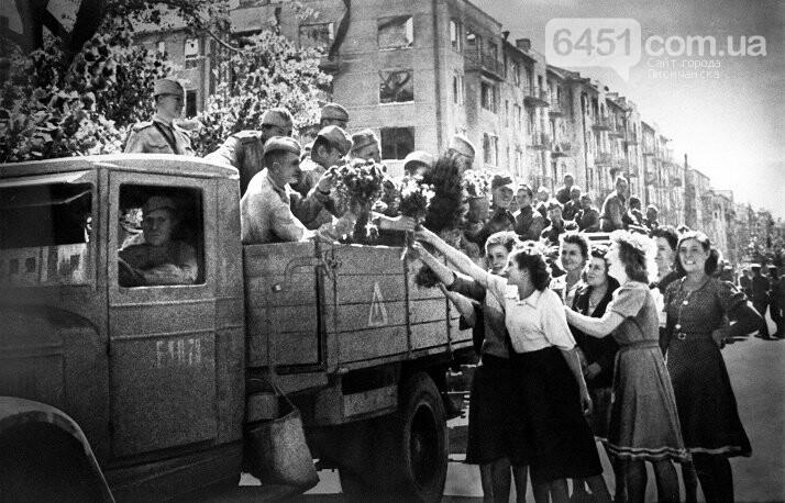 28 октября - 75 лет освобождения Украины от немецко-фашистских захватчиков., фото-1