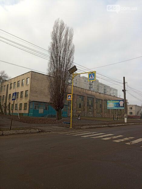 В Лисичанске устанавливают гибридное освещение и безопасные пешеходные переходы., фото-2