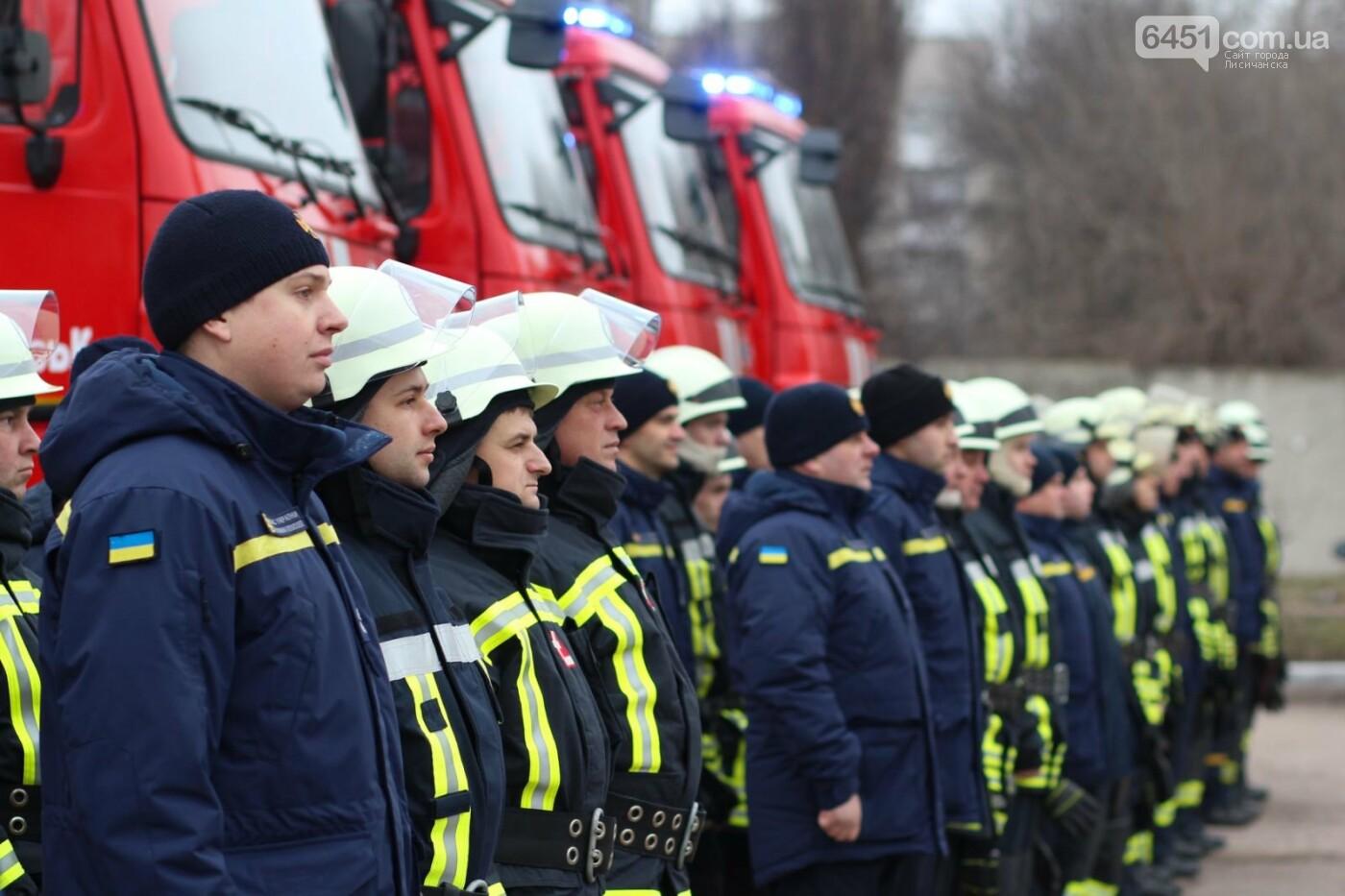 ГСЧС получила 5 современных пожарных автоцистерн, фото-1