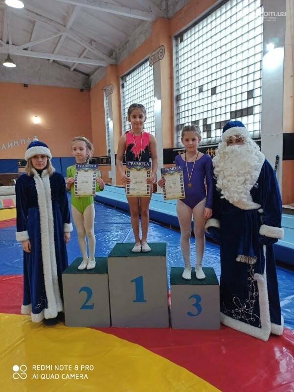В Лисичанске прошёл новогодний чемпионат по спортивной гимнастике, фото-4