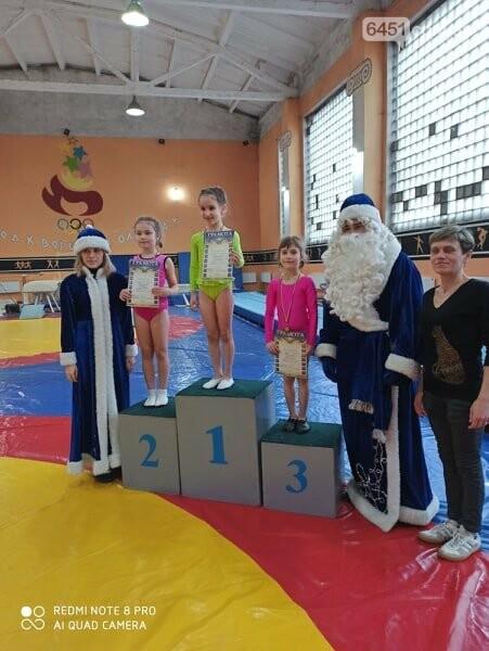 В Лисичанске прошёл новогодний чемпионат по спортивной гимнастике, фото-6