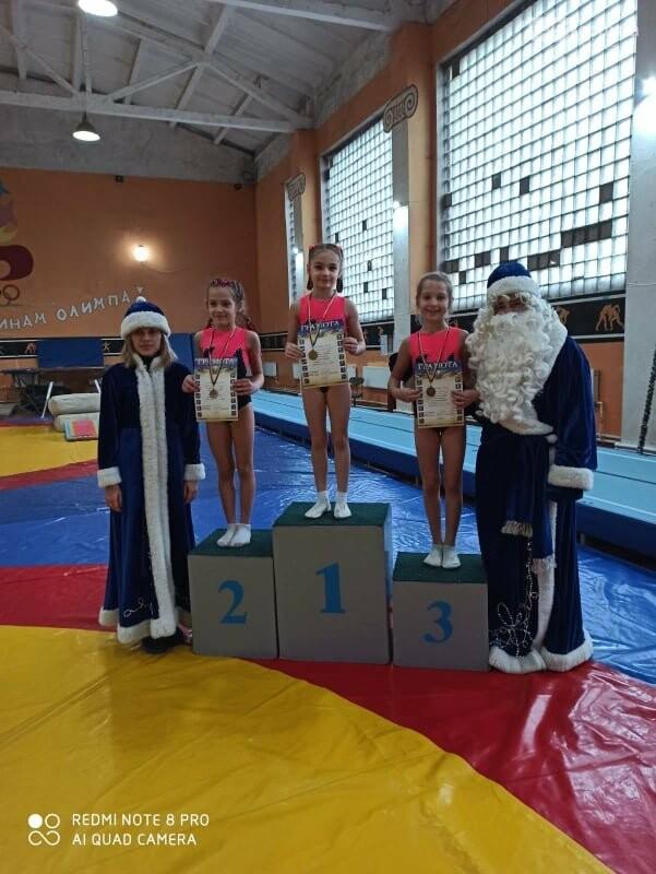В Лисичанске прошёл новогодний чемпионат по спортивной гимнастике, фото-3