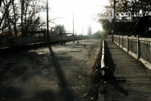 """Игнорируя опасность жители продолжают эксплуатировать """"мост смерти"""" Лисичанск - Сиротино, фото-2"""