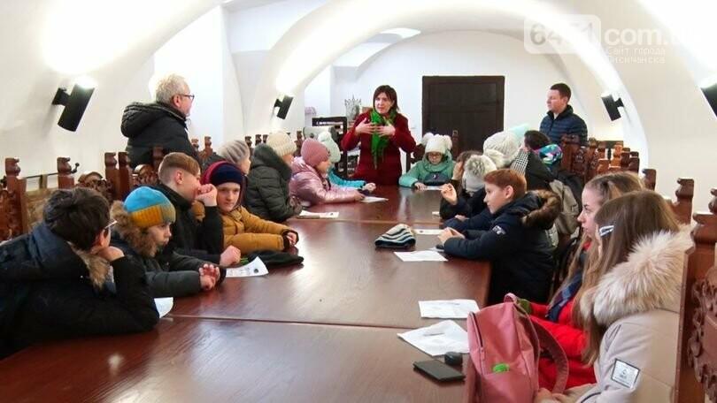 Арт-караван Дружбы детей-художников из Луганской области посетил Закарпатье, фото-1