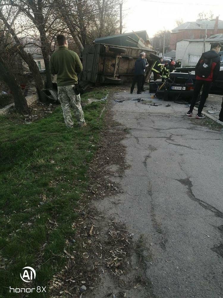 Страшное ДТП в Лисичанске: есть погибшие (фото), фото-2