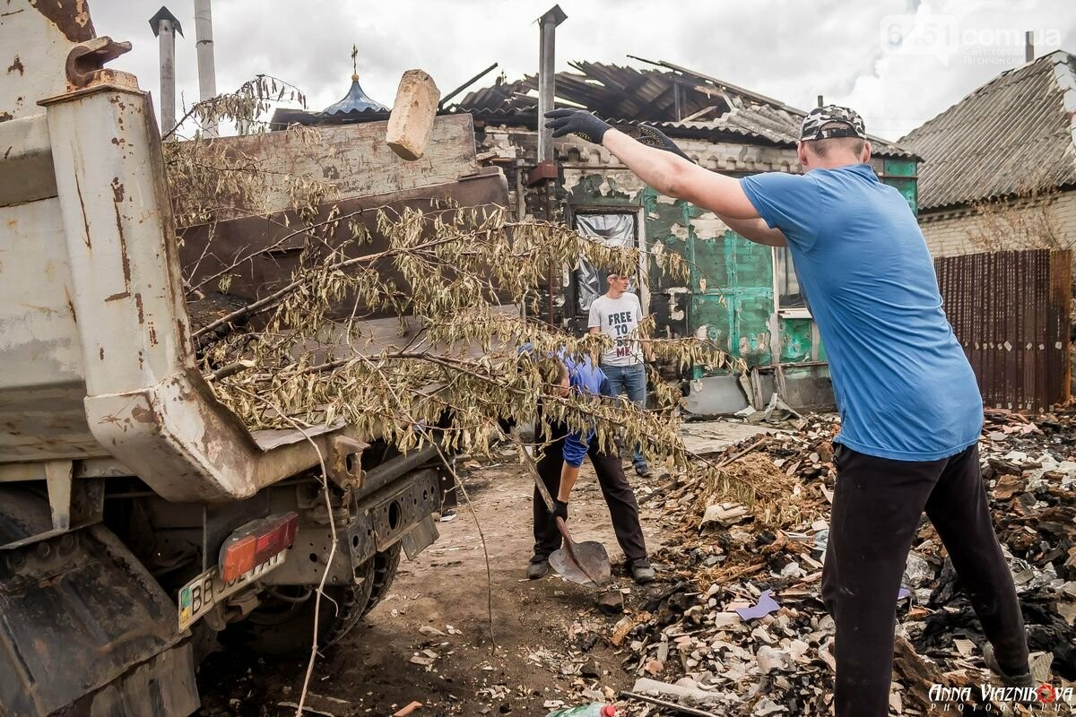 ФОТООТЧЁТ: Штаб помощи пострадавшим от пожара развернул масштабные работы в Смоляниново. День 2, фото-19