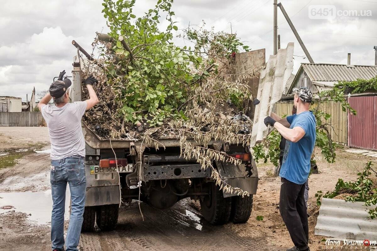 ФОТООТЧЁТ: Штаб помощи пострадавшим от пожара развернул масштабные работы в Смоляниново. День 2, фото-31