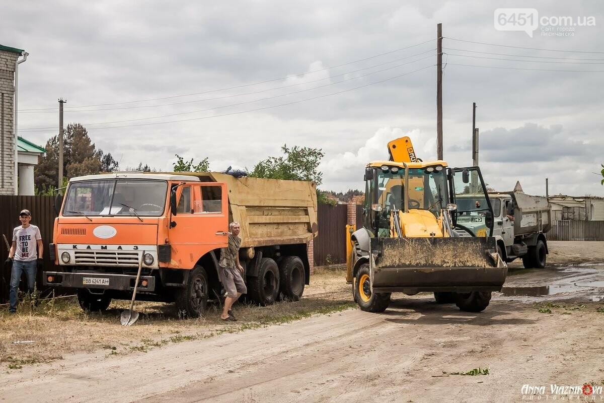 ФОТООТЧЁТ: Штаб помощи пострадавшим от пожара развернул масштабные работы в Смоляниново. День 2, фото-37