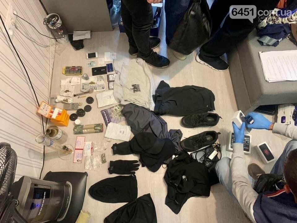 Полиция задержала жителя Луганской обл., которого подозревают в поджоге авто журналистов, фото-2