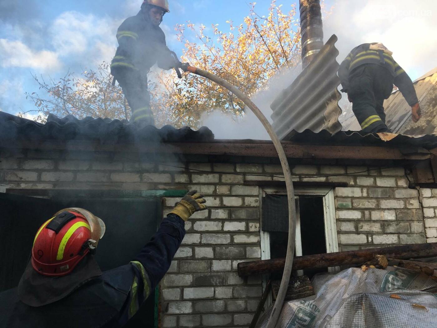 Спасатели ликвидировали пожар на частном дворе в Лисичанске, фото-2