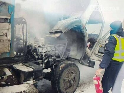 В Лисичанске загорелся грузовик, фото-1