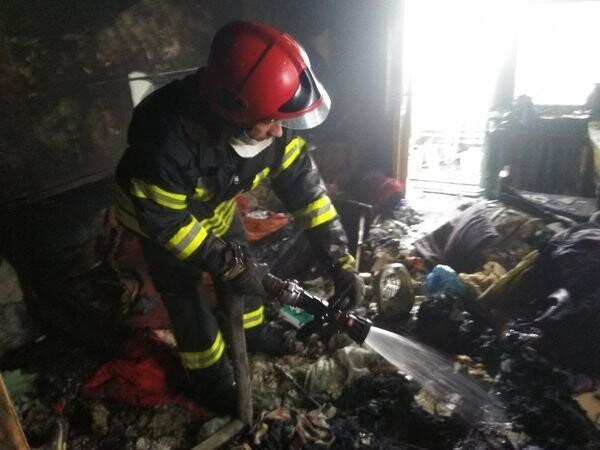 В Рубежном спасатели потушили пожар в многоквартирном доме, фото-2
