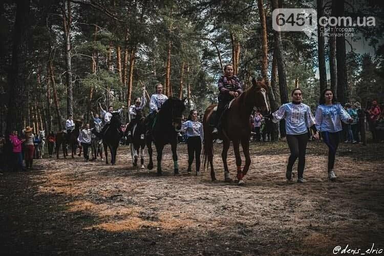 В Кременной прошло представление конного театра , фото-4, https://www.instagram.com/denis_elric/